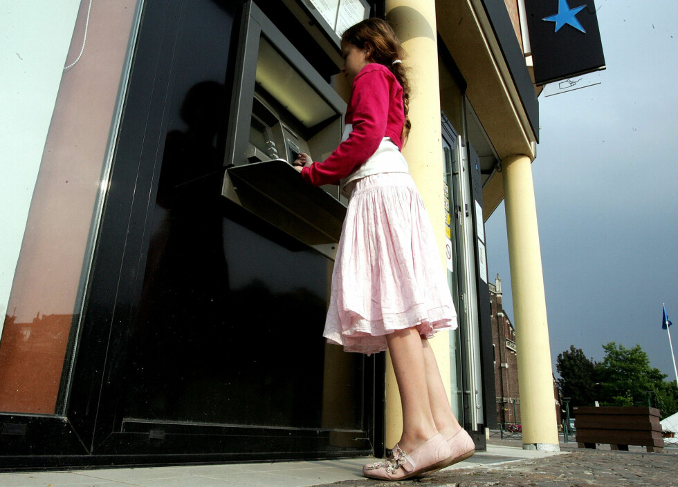 Flere bankkunder i Norge ønsker nå å ta ut pengene sine. Men er det nødvendig. Foto: Colourbox.com