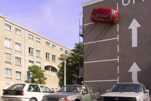 """Foto: """"Ekstrem parkering"""" av Theo Van Laar. Foto: Hahan.nu"""