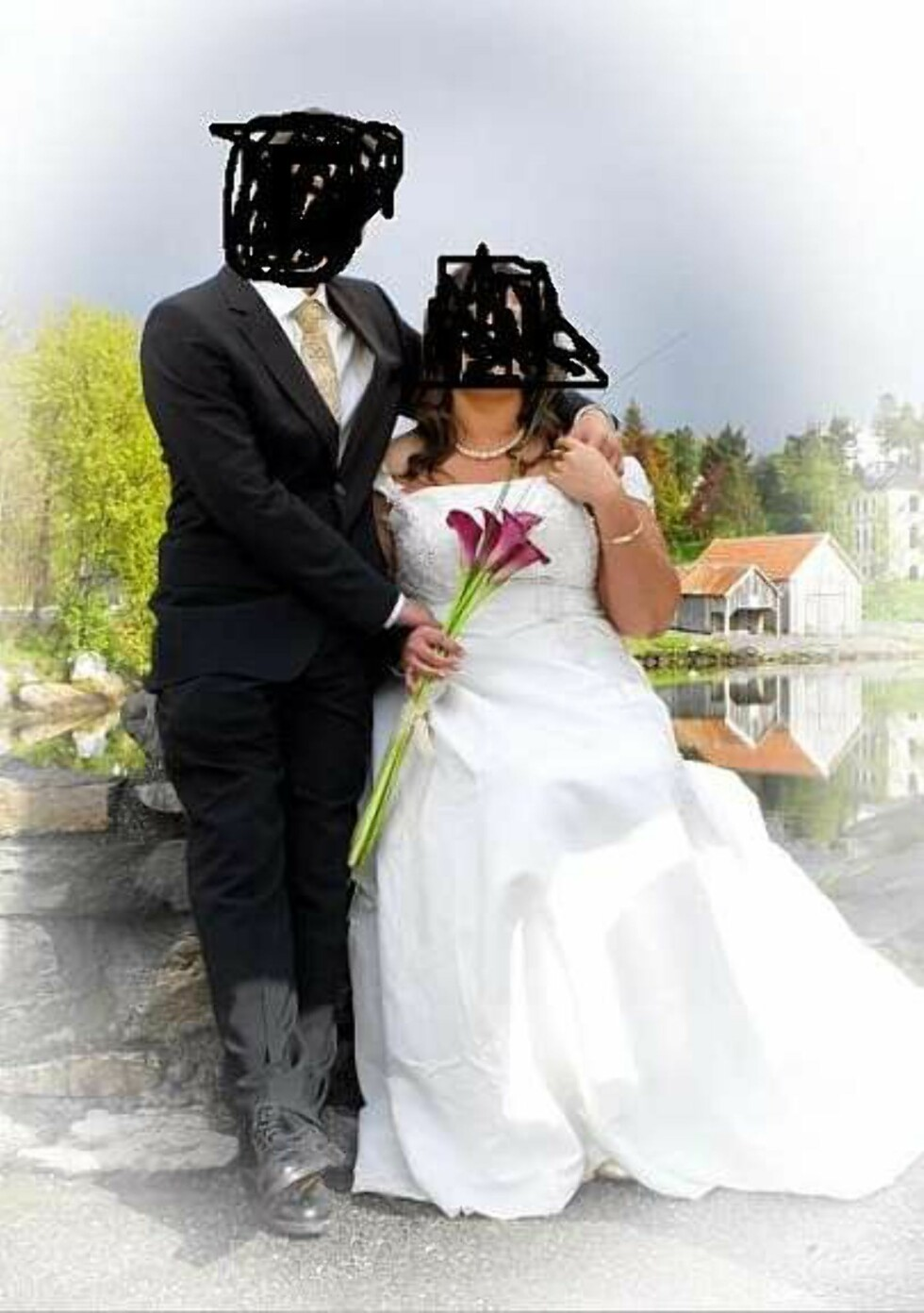 """""""Spøkelseskladden med frue"""" kommentar på Facebook. Foto: Faksimile: Finn.no"""