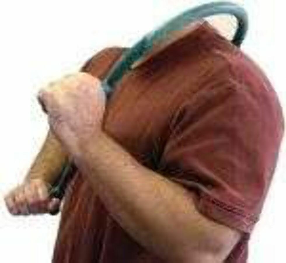 Den hodeløse mannen solgte hageslanger som hakka møkk.  Foto: Faksimile: Finn.no