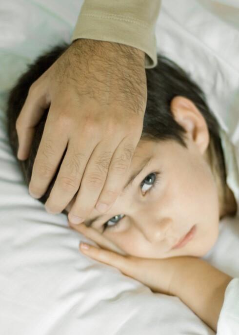 Har han feber, eller er det noe annet som plager ham? Foto: colourbox.com