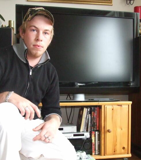 Jon Arne Tjøstheim er ikke imponert over prisforskjellene Expert opererer med. Foto: Privat