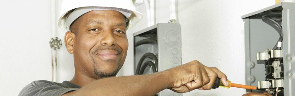 Det hjelper ikke om håndverkeren er godkjent og installasjonen er av ypperste kvalitet. Får du ikke samsvarserklæring er den faktisk ulovlig! Foto: iStockphoto.com