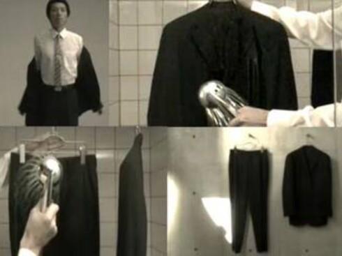 Dusj med dressen på - eller gi den et skyll i dusjen. Foto: Australian Wool Innovation