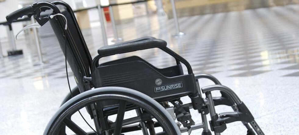Flypassasjerer blir advart mot farene med batteridrevne gjenstander på fly etter at en elektrisk rullestol eksploderte på Manchester flyplass. Illustrasjonsfoto: Colourbox