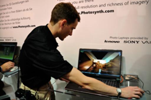 Microsoft er ivrige på å vise frem sin nye teknologi på Photokina. Foto: Pål Joakim Olsen