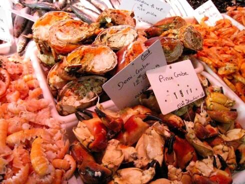 Det er verdt å ta turen til et marked imens du er i Cognac. Vi besøkte et i Jarnac hvor det bugnet av fersk sjømat, kjøtt og friske grønnsaker. Foto: Astrid Mannion