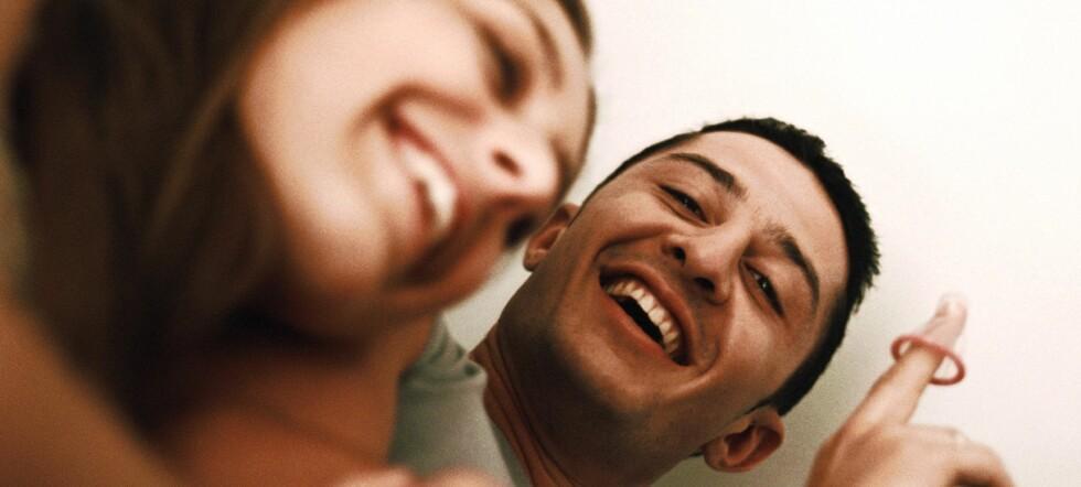 Ungdom og unge voksne er en av målgruppene for gratiskondomene - og de vil gjerne bestille dem på nett. Foto: Colourbox