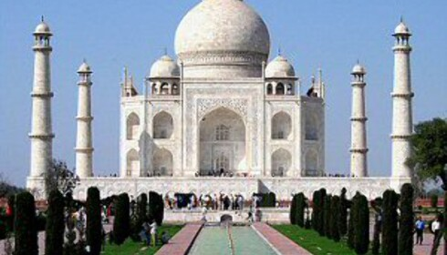 Taj Mahal ligger like ved en stinkende elv. Foto: Dirad