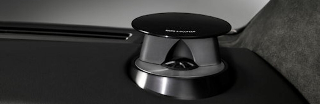 Bang & Olufsen kan stil. Disse høyttalerne er bare synlige når de er i bruk.