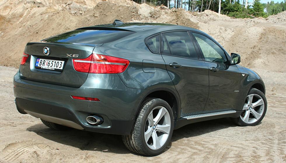 Store eksteriørbilder av BMW X6