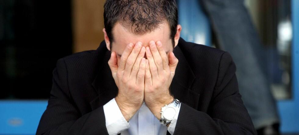 Det hjelper ikke å gjemme seg. Den internasjonale kredittkrisen rammer hele verden. Foto: Colourbox.com
