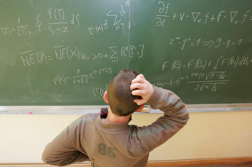Strevet med matematikk kan vise seg å bli lønnsomt senere i livet. Foto: Colourbox.com