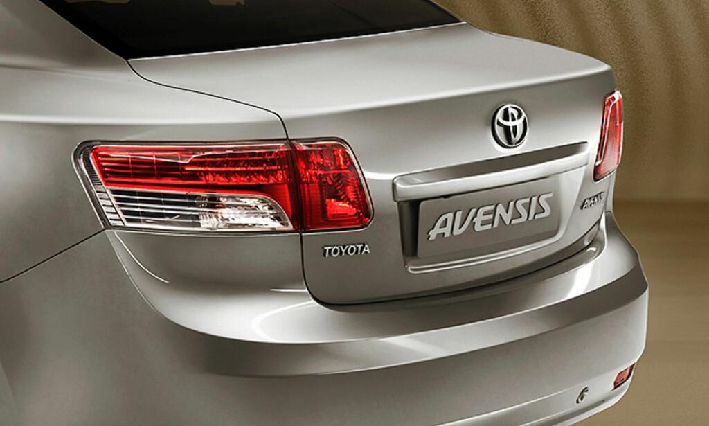 image: Nye Avensis: Store bilder!