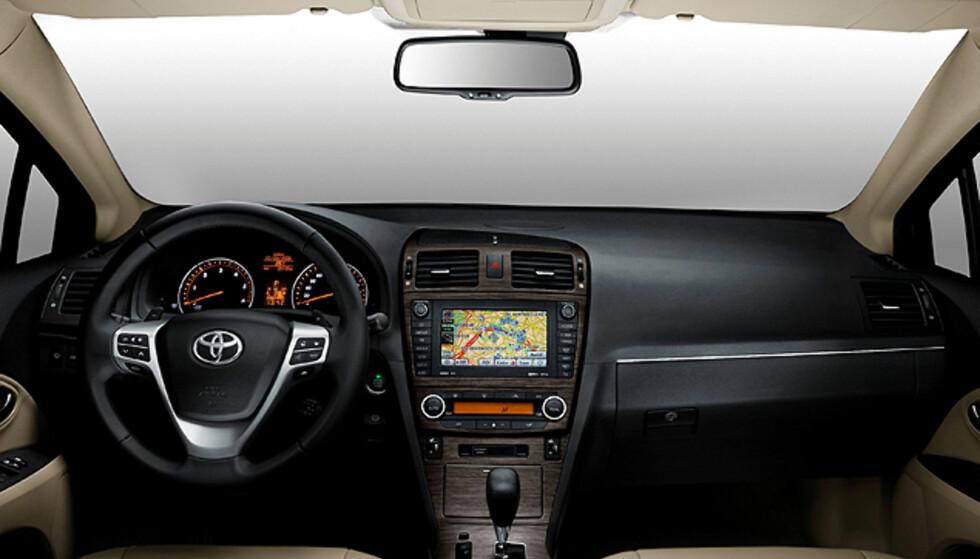 Nye Avensis: Store bilder!