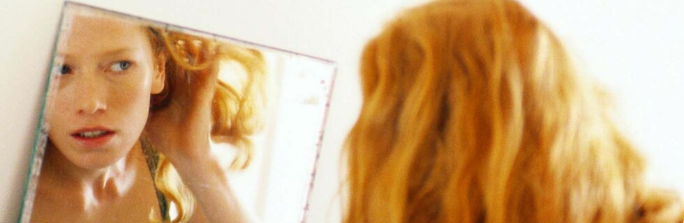 Hm... Er jeg en sjuer, eller en åtter? Hvordan du ser ut, bør avgjøre hvordan du kler deg, hevder Elin Ørjasæter i ny bok.    Foto: colourbox.com