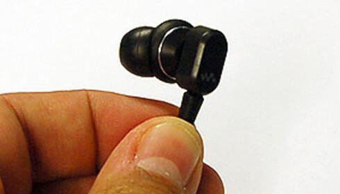 """Ørepluggene har """"michelin""""-fasong. Det følger med silikontrakter i forskjellige størrelser, slik at de passer dine øreganger."""
