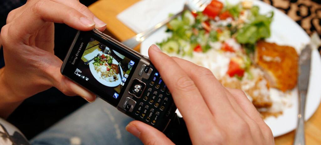 Ta bilde av det du spiser, så blir det lettere å holde vekten, mener forskerne bak en ny studie. Illustrasjonsfoto: Per Ervland.