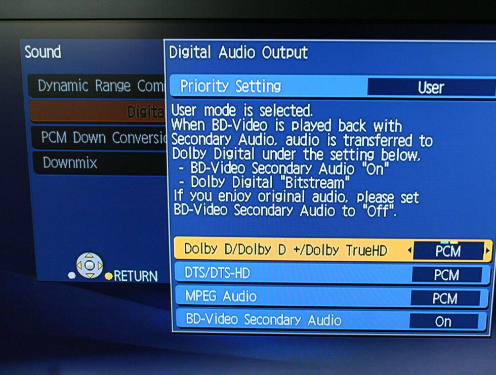 Vår Onkyo receiver har HDMI-inngang og kan ta imot de nye lydformatene Dolby Digital Plus, Dolby TrueHD og DTS-HD via multichannel PCM.