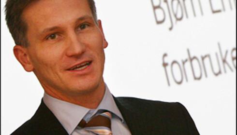 Bjørn Eirik Thon vil stramme inn regelverket rundt betalingstjenester på mobil for barn. Foto: Per Ervland