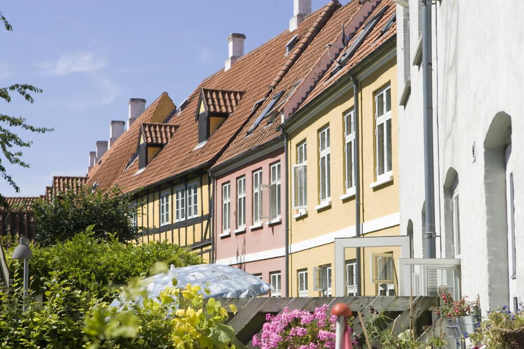 <b>Ingen fest i vest.</b> Boligprisene faller i Bergen, men litt lenger sør er det bare velstand. Foto: Colorbox.com