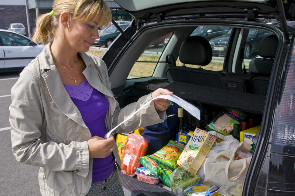 Hvis du endrer handlevanene dine en smule, kan du merke det på husholdningsbudsjettet.  Foto: Colourbox.com