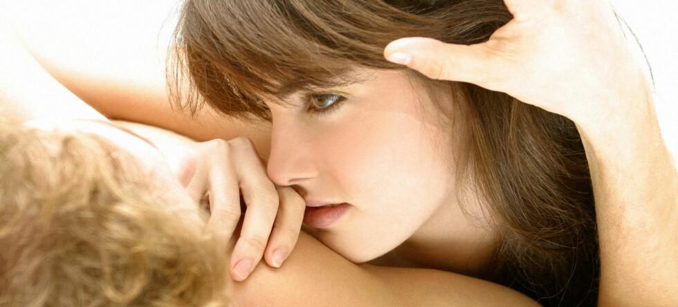 Forestillingen om at kvinner tenker mindre på sex enn menn er en myte, ifølge nye undersøkelser. Illustrasjonsfoto: colourbox.com
