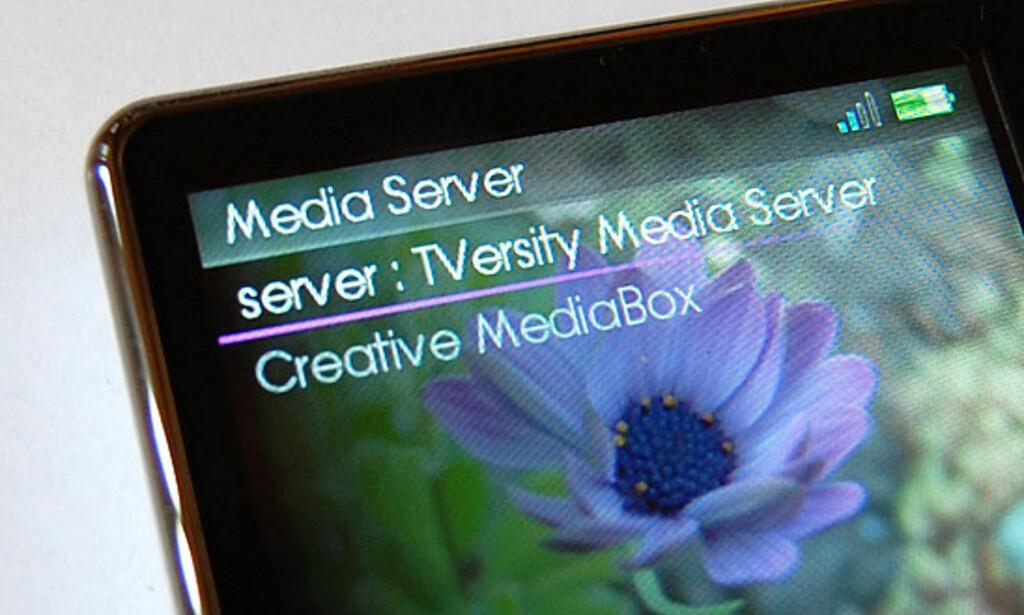 Med støtte for trådløst nettverk kan du streame media fra PCer i hjemmenettverket ditt, eller fra Creative sine sider på Internett.