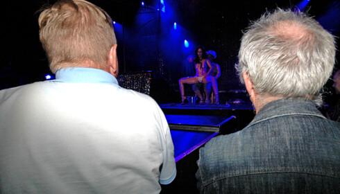 Strippeshow på Sexhibition.  Foto: Hans Kristian Krogh-Hanssen