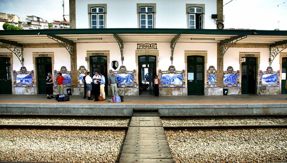 Perrongene langs jernbanen i Douro er verdt reisen i seg selv.