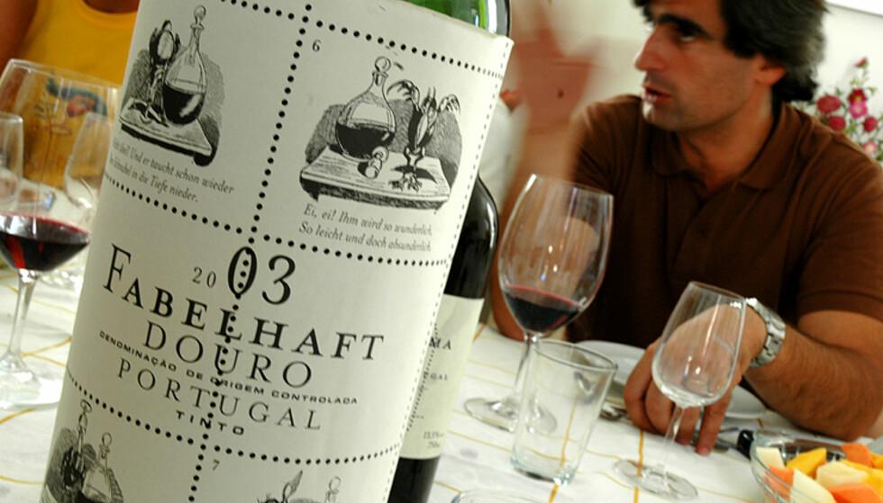 Vinsmaking er tilgjengelig på mange av de store vingårdene. Du får gjerne servert et typisk måltid til vinen. Her fra Quinta do Vallado.  Foto: Hans Kristian Krogh-Hanssen