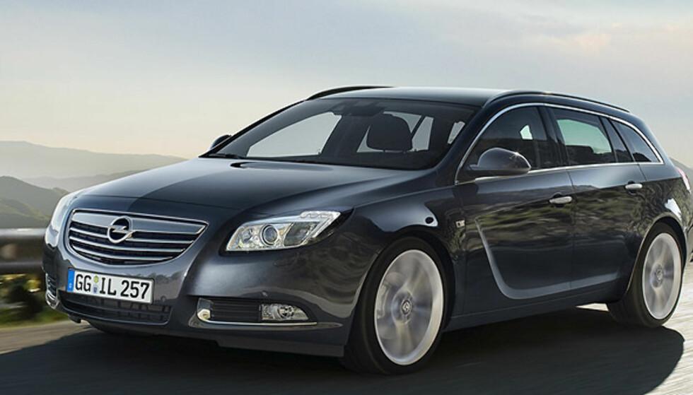 Store bilder av Opels svære stasjonsvogn