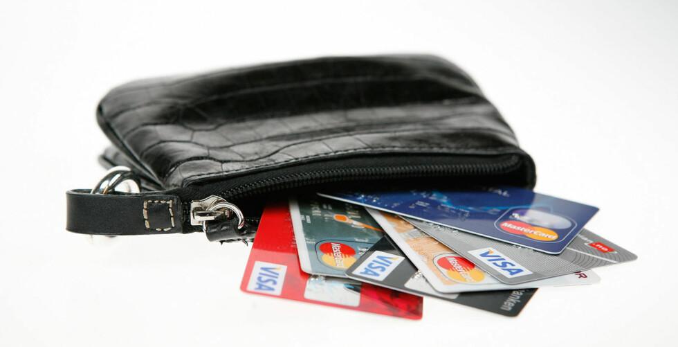Trenger vi alle kortene vi har i lommeboka? Foto: Per Ervland
