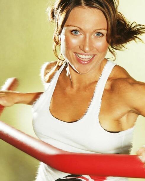 Med en polstret vektstang får du trent hele kroppen. FOTO: Coremon
