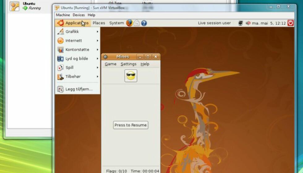 VirtualBox er ypperlig å bruke når du ønsker å prøve ut Linux. Her kjører vi Ubuntu Linux 8.04 i et vindu inne i Windows Vista.