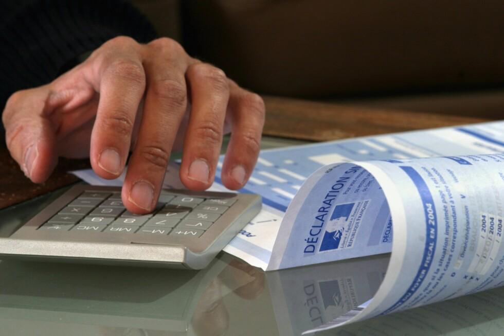 Får du ikke beløpet på innbetalingsgiroen for restskatt til å stemme, bør du kontakte skattekontoret i din kommune. (Illustrasjonsfoto: Colourbox.com)