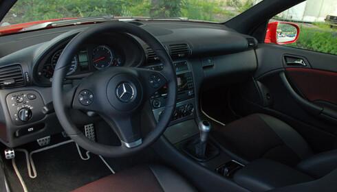 Store bilder av Mercedes CLC