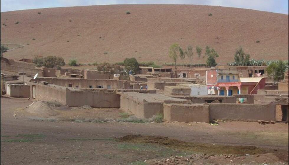 Slik bor nomadene når de ikke er ute og farter i ørkenen. Foto: Håkon Jarle