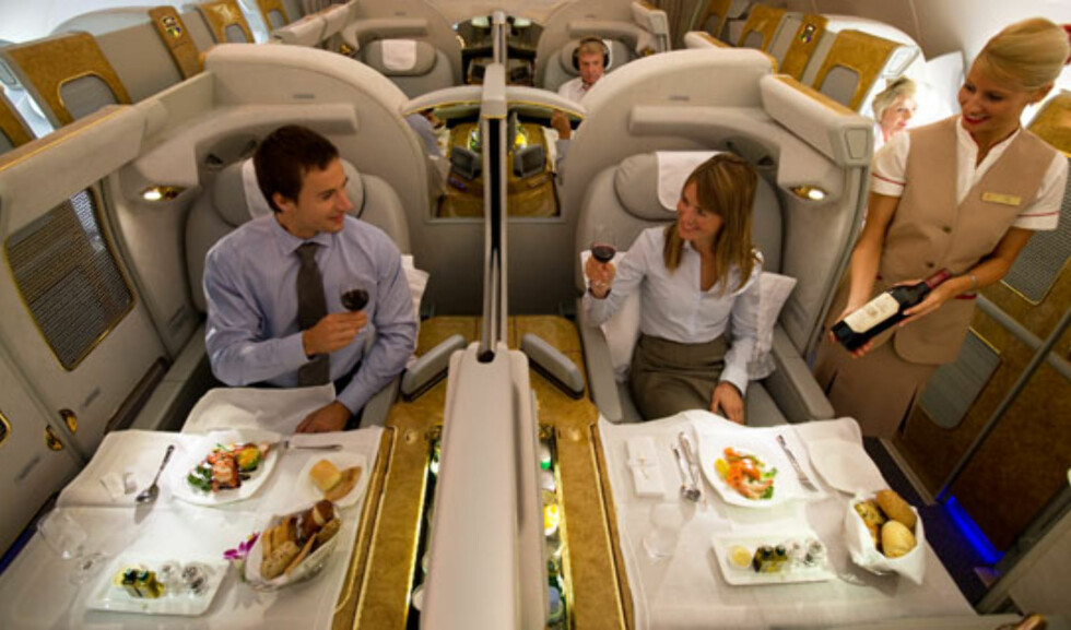 På første klasse har du din egen lille suite.  Foto: Emirates