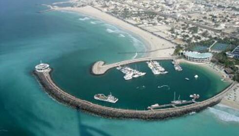 Det blir bare flere og flere strender i Dubai, ettersom de kunstige øyene popper opp. Foto: James Stratton