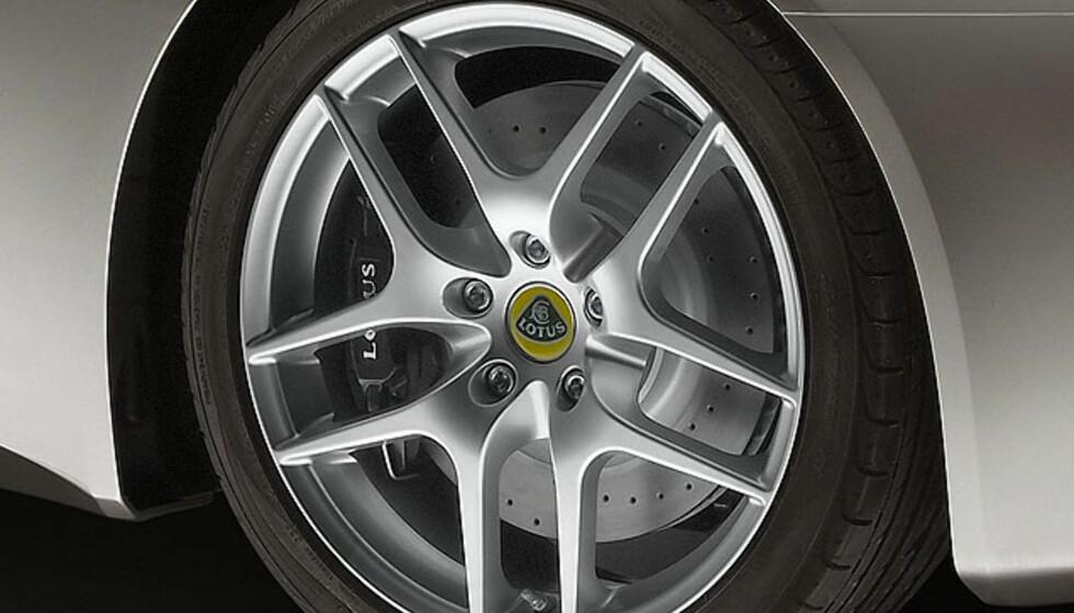 Store bilder av helt ny Lotus!