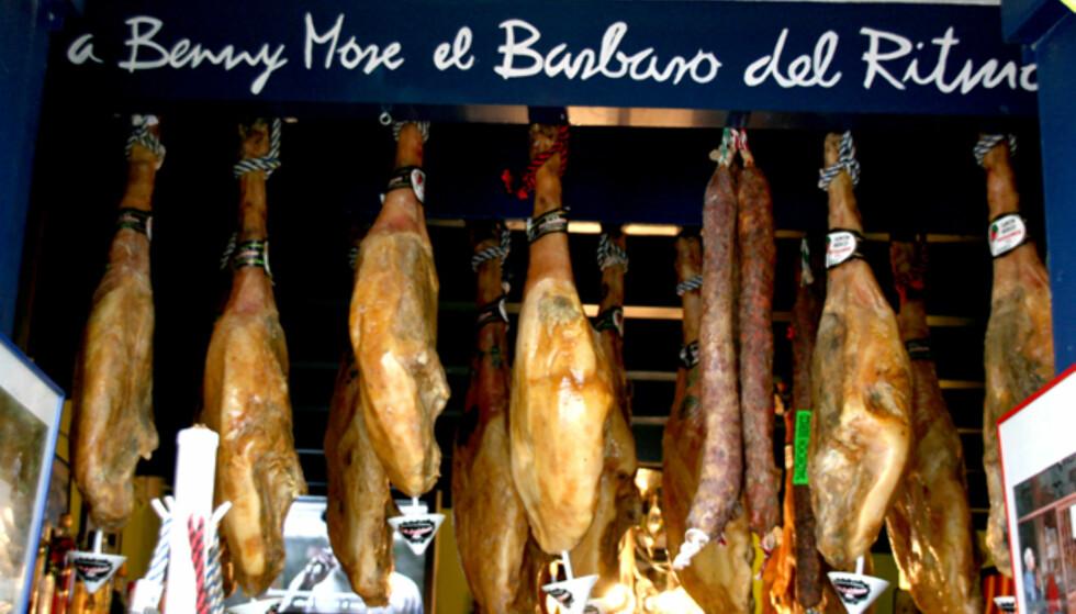 Jamón,jamón. Skinkebutikker som dette finnes de fleste steder hvor spansk er riksspråket. Foto: Kim Jansson