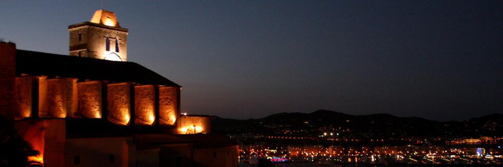 Dalt Vila, borgen som overvåker Ibizas sentrum, er oppført på Unescos verdensarvliste. Foto: Kim Jansson