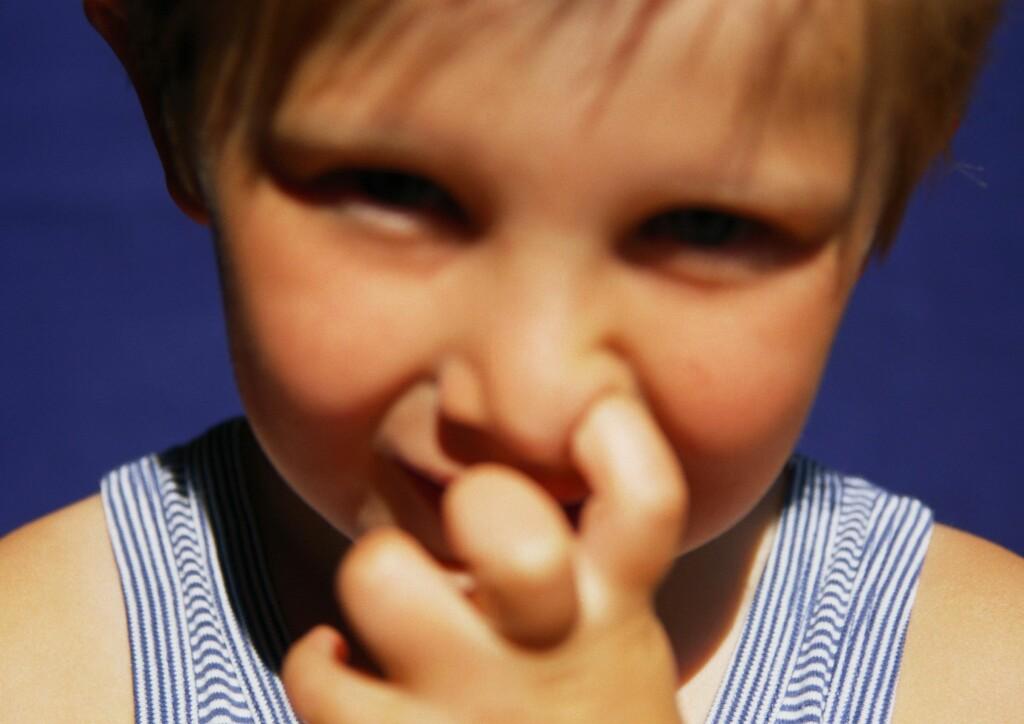 Pille, pille. Det er ikke bare fingrene som finner veien til barnas neser. Illustrasjonsfoto: colourbox.com Foto: Foto: colourbox.com