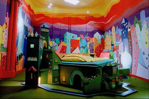 Dette rommet heter <i>Castle</i> og er et av hotellets mest populære rom. Se flere av hotellrommene i bildespesialen til venstre. <i>Foto: Lars Stroschen</i> Foto: Lars Stroschen