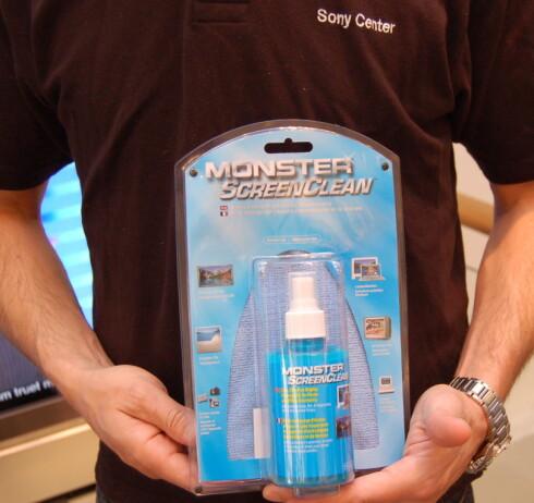Uhre anbefaler å kjøpe en egnet spray. Foto: Olav Eggesvik