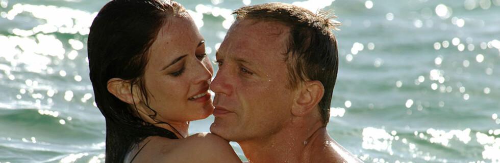 James Bond har dratt på kryss og tvers over hele verden gjennom sin lange karriere som filmhelt - gjerne sammen et av sine mange damebekjentskaper. Foto: Sony Pictures