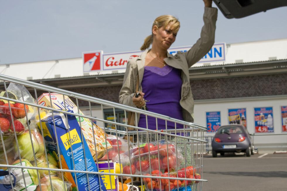 Ikke all mat blir dyrere i morgen. Men norskproduserte jordbruksvarer kommer antagelig til å stige i pris. Foto: Colourbox Foto: colourbox.com