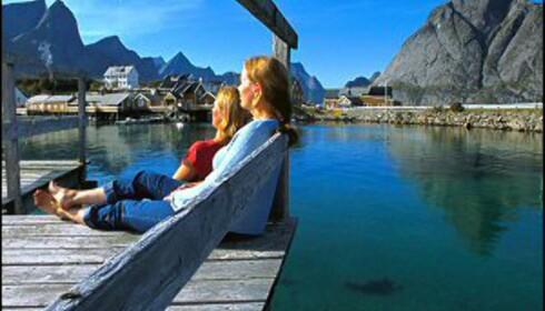 Det er sommersesongen som er viktigst for steder som Lofoten, men turistnæringen vil gjerne ha mer vinterbesøk.  Foto: Terje Rakke/Nordic Life/Innovasjon Norge