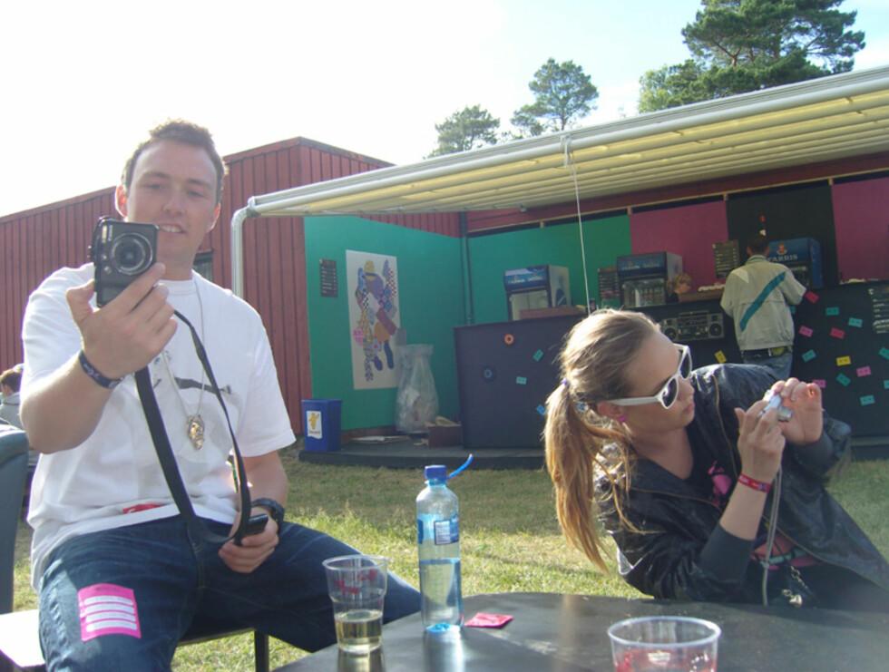 Jeg blogger deg, du blogger meg: Bookingansvarlig og arrangør Christoffer Hjelm, og blogge-dronningen Christine Dancke. Foto: Thomas Marynowski